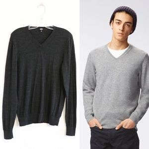 Uniqlo men's thin wool sweater v-neck pullover M